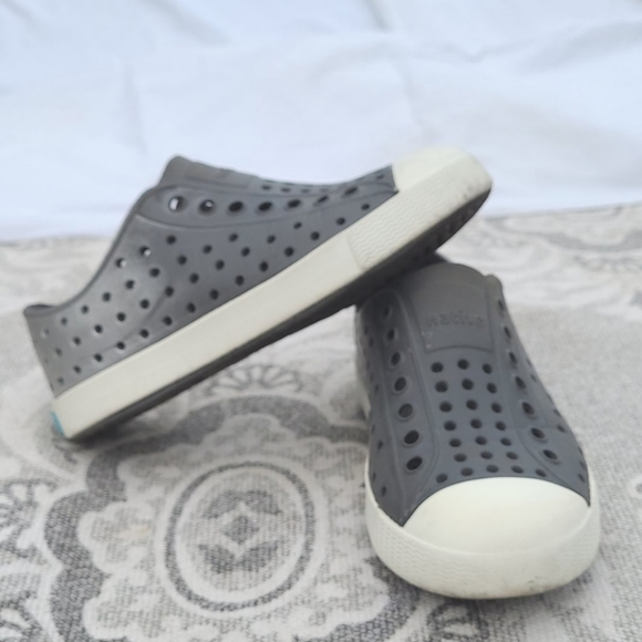 Native silver fade Grey rubber shoes